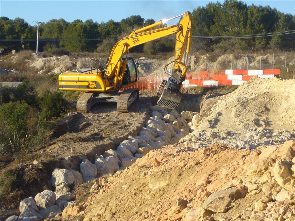 Construcci n de muro de rocalla de contenci n tarragona - Muros de rocalla ...