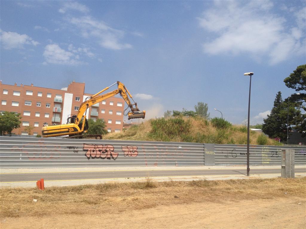 Limpieza del solar en el barrio gaudi de reus tarragona reus salou - Constructora reus ...